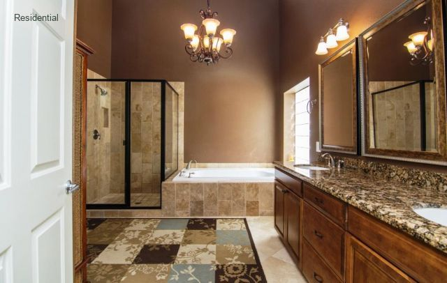 Luxorious Master Bath With Jetted Tub